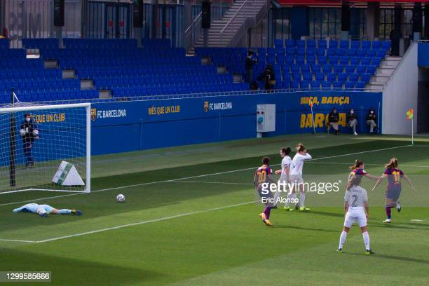 Alexia Putellas of FC Barcelona celebrates scoring his side's first goal in the 14th minute during the Primera Division Femenina match between FC...