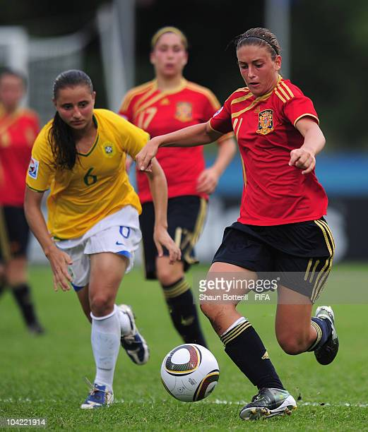 Alexia Putellas of Spain breaks away from Roberta of Brazil during the FIFA U17 Women's World Cup Quarter Final match between Spain and Brazil at the...
