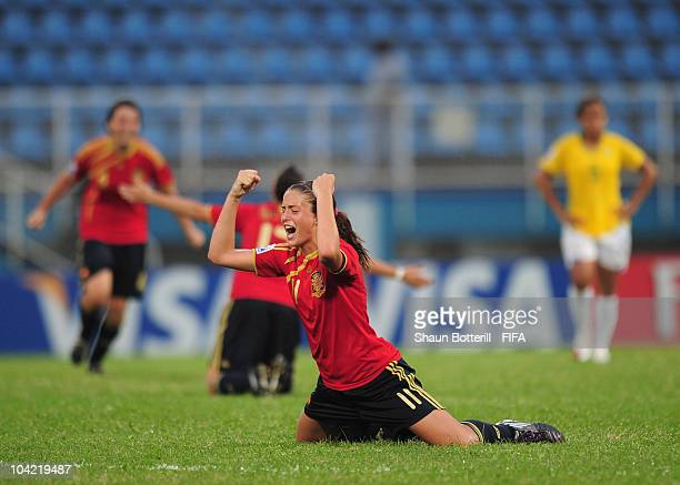 Alexia Putellas of Spain celebrates at the final whistle of the FIFA U17 Women's World Cup Quarter Final match between Spain and Brazil at the Ato...