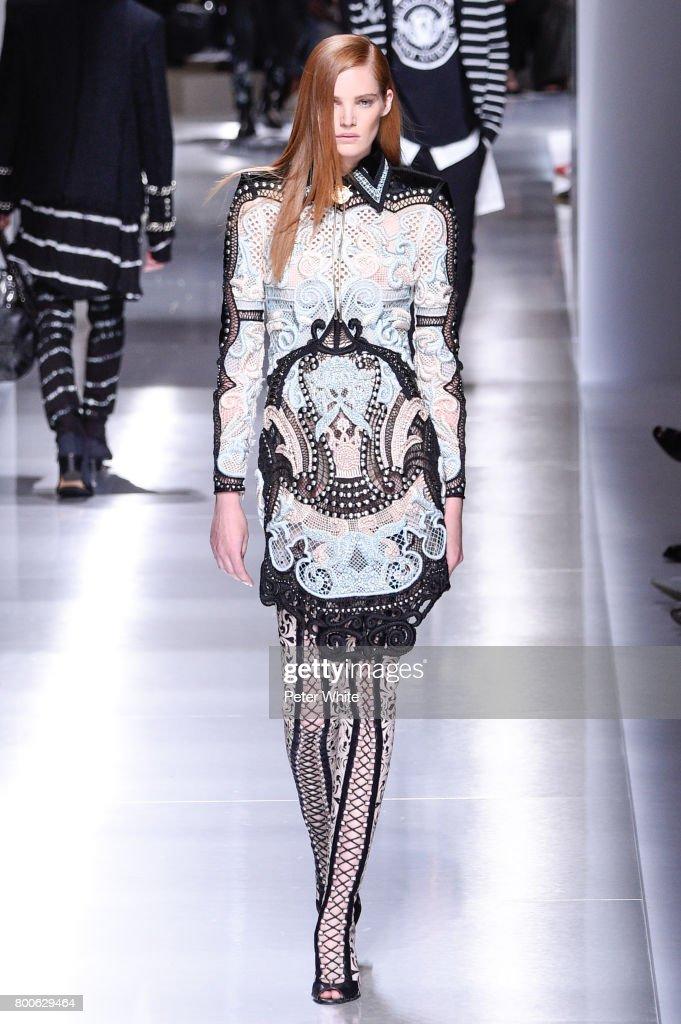 Balmain : Runway - Paris Fashion Week - Menswear Spring/Summer 2018