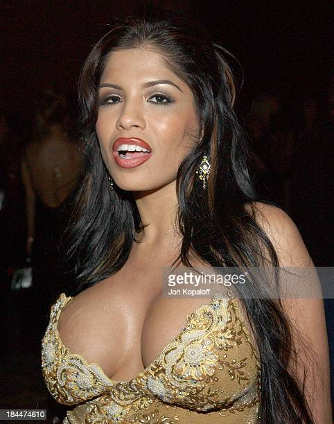 Alexis Amore During 2005 Avn Awards Arrivals And Backstage At The Venetian Hotel In Las Vegas
