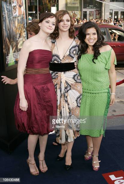 "Alexis Bledel, Amber Tamblyn and America Ferrera during ""The Sisterhood of the Traveling Pants"" Los Angeles Premiere at Grauman's Chinese Theatre in..."