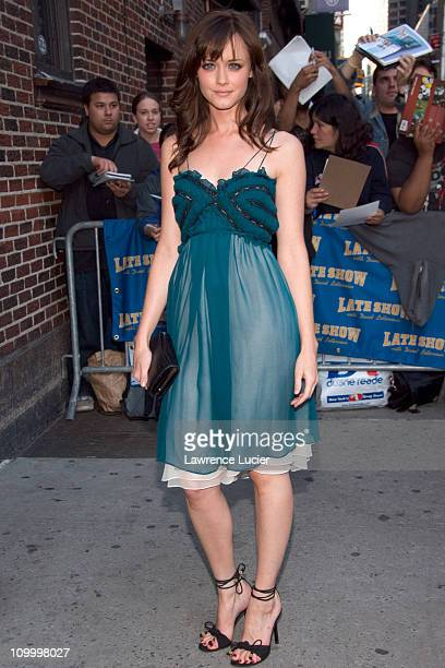 Alexis Bledel during Alexis Bledel Meredith Vieira and Craig Ferguson Visit The Late Show with David Letterman April 19 2006 at Ed Sullivan Theater...