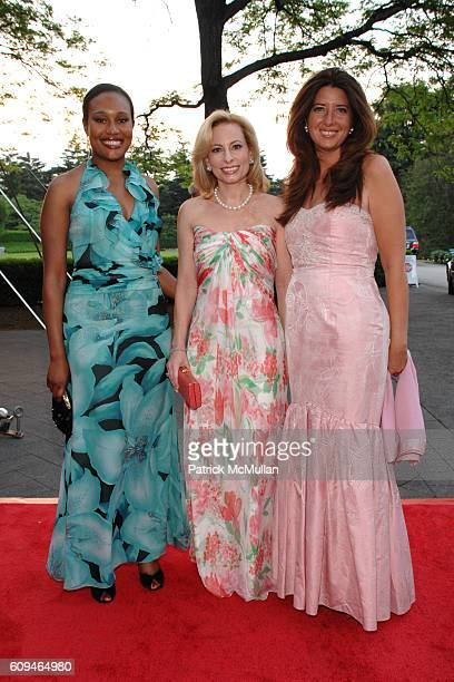 Alexis Clark Gillian Miniter and Carol Bell attend THE NEW YORK BOTANICAL GARDEN 2007 Conservatory Ball at New York Botanical Garden on June 7 2007...