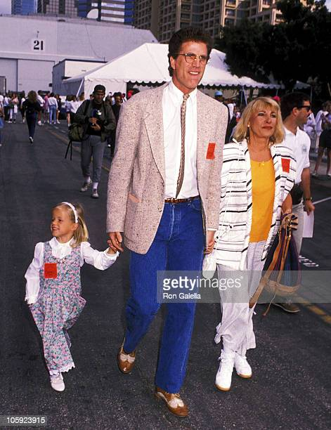 Alexis Danson Ted Danson and Casey Coates during 'Earthwalk Benefit' April 22 1990 at 20th Century Fox Studios in Los Angeles California United States