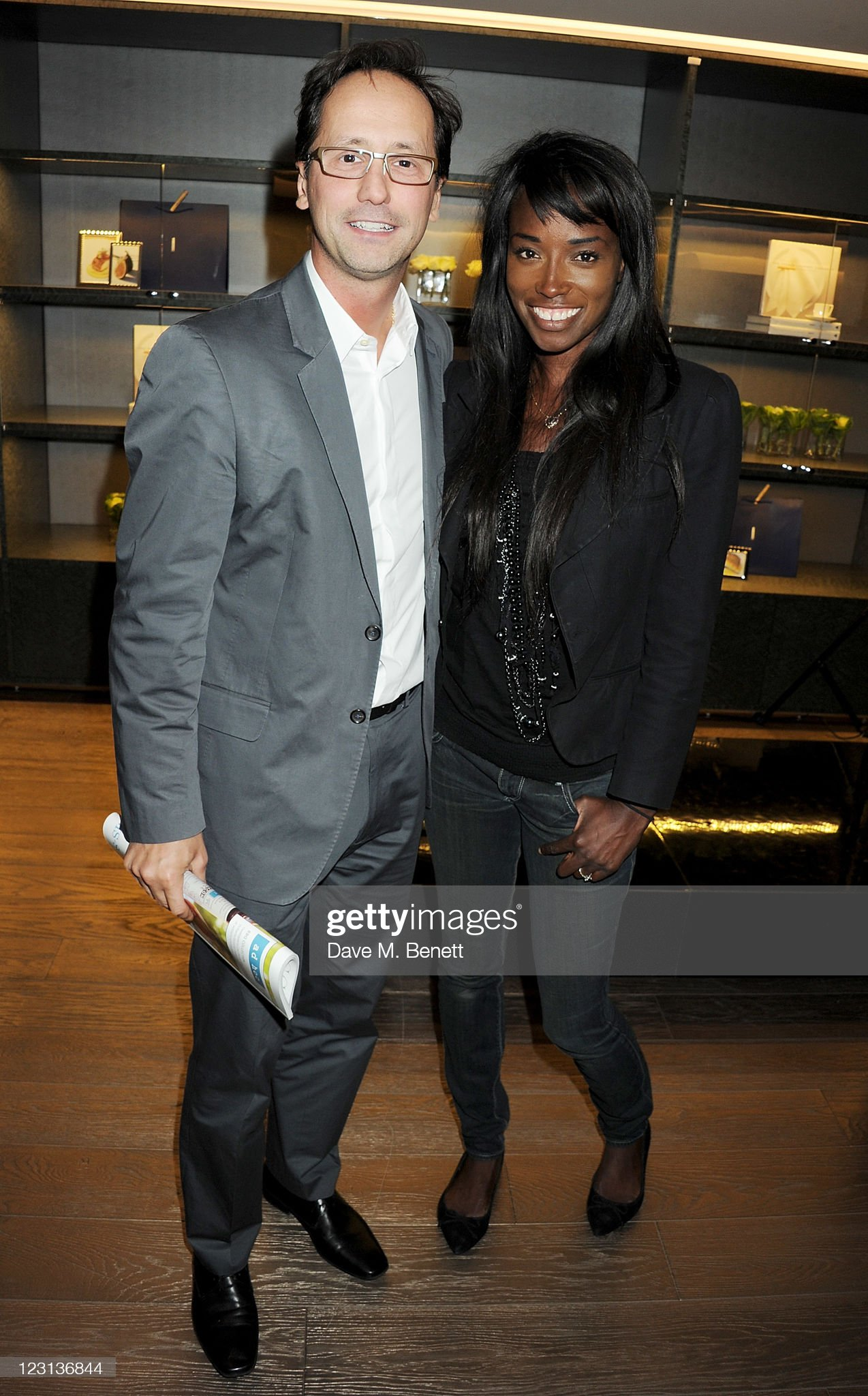 ¿Cuánto mide Lorraine Pascale? - Altura - Real height Alexis-gauthier-and-lorraine-pascale-attend-the-launch-of-the-french-picture-id123136844?s=2048x2048