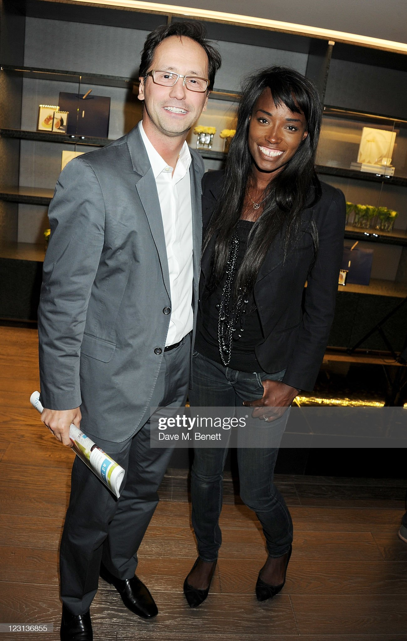 ¿Cuánto mide Lorraine Pascale? - Altura - Real height Alexis-gauthier-and-lorraine-pascale-attend-the-launch-of-the-french-picture-id123136855?s=2048x2048