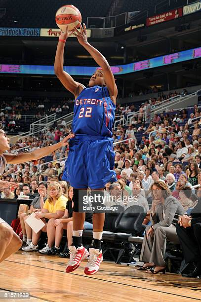 Alexis Hornbuckle of the Detroit Shock shoots against the Phoenix Mercury on June 14 at US Airways Center in Phoenix Arizona NOTE TO USER User...