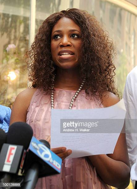Alexis Houston addresses the press to deny the rumors of a romantic relationship with Matt Lauer outside Michael's on May 21 2010 in New York City