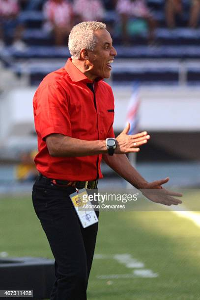 Alexis Mendoza coach of Junior gives instructions to his players during a match between Junior and Millonarios as part of 11th round of Liga Aguila I...