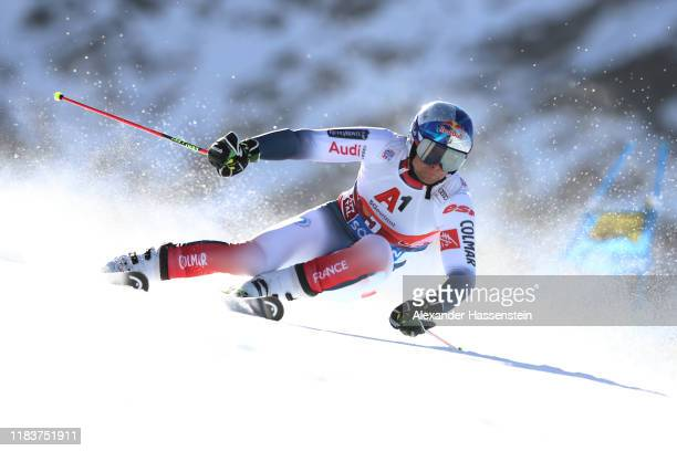 Alexis Pinturault of France competes during the Audi FIS Alpine Ski World Cup Men's Giant Slalom at Rettenbachferner on October 27, 2019 in Soelden,...