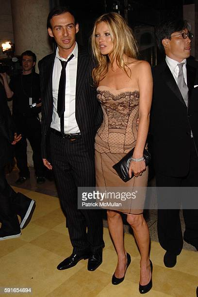 Alexis Roche and Kate Moss attend The 2005 CFDA Fashion Awards at The New York Public Library on June 6 2005 in New York City