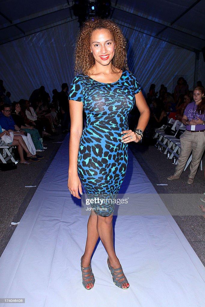 Dolores Cortes  At Mercedes-Benz Fashion Week Swim 2014 - Front Row : Fotografia de notícias