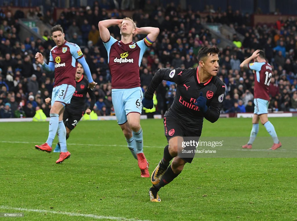 Alexis Sanchez celebrates scoring Arsenal's goal during the Premier League match between Burnley and Arsenal at Turf Moor on November 26, 2017 in Burnley, England.