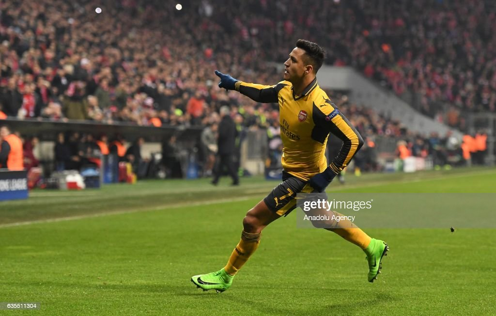 FC Bayern Munich vs Arsenal: UEFA Champions League : News Photo