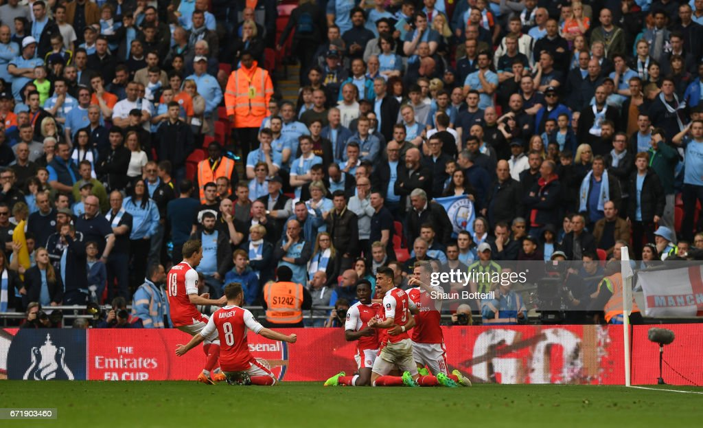 Arsenal v Manchester City - The Emirates FA Cup Semi-Final : News Photo
