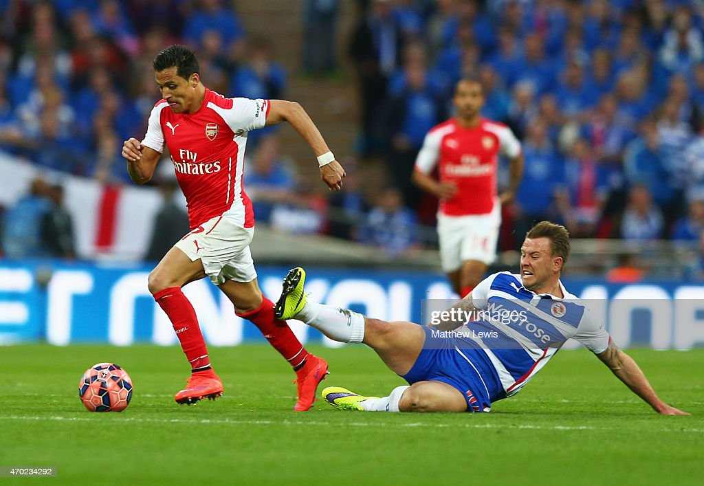 Arsenal v Reading - FA Cup Semi-Final : News Photo