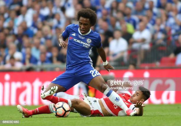 Alexis Sanchez of Arsenal in action against Willian of Chelsea during the FA Cup final match between Arsenal FC and Chelsea FC at Wembley Stadium on...