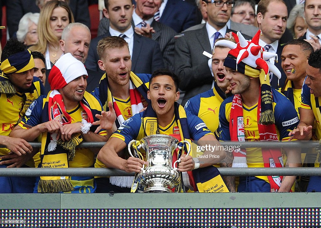 Aston Villa v Arsenal - FA Cup Final : News Photo