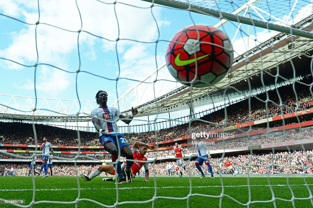 Alexis Sanchez of Arsenal scores the opening goal of the game during the Barclays Premier League match between Arsenal and Crystal Palace at the Emirates Stadium on April 17, 2016 in London, England.