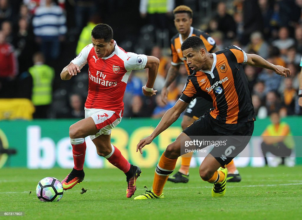Hull City v Arsenal - Premier League : News Photo