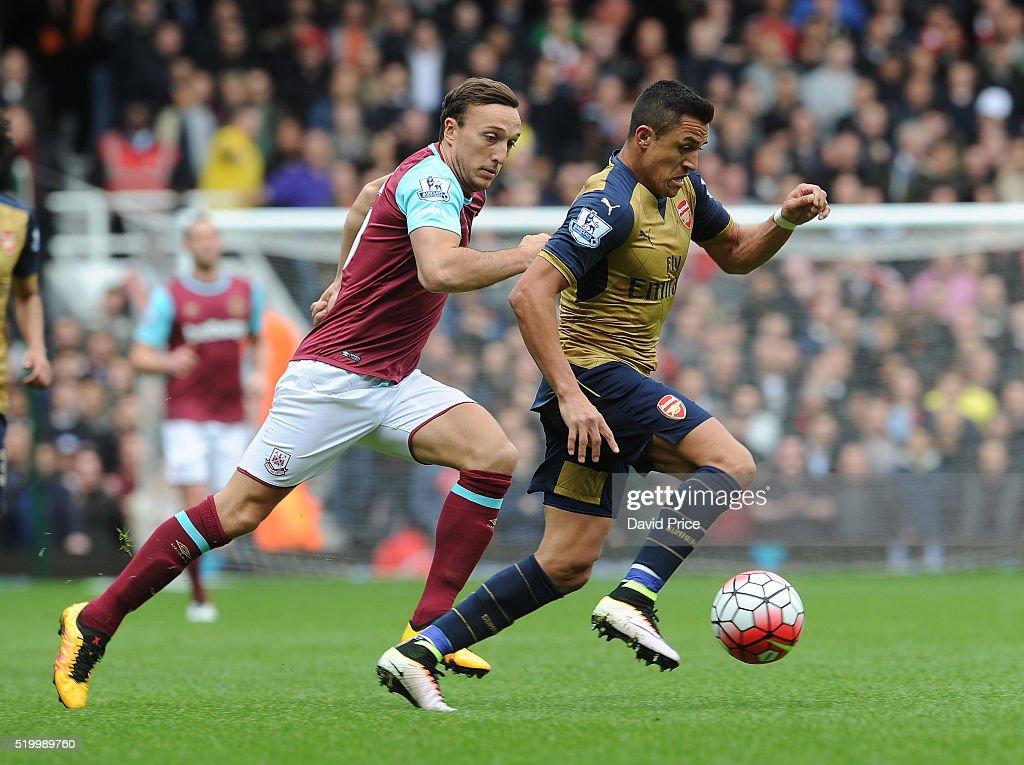 West Ham United v Arsenal - Premier League : News Photo
