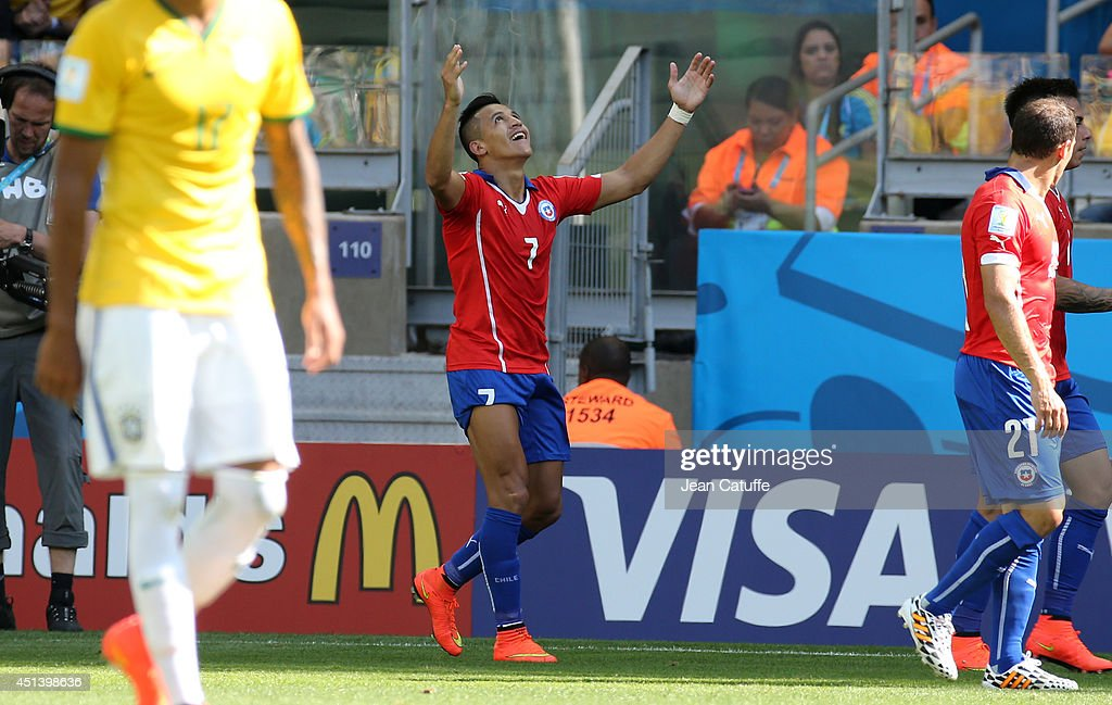 Brazil v Chile: Round of 16 - 2014 FIFA World Cup Brazil : News Photo