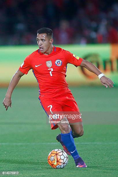 Alexis Sanchez of Chile drives the ball during a match between Chile and Peru as part of FIFA 2018 World Cup Qualifiers at Nacional Stadium on...