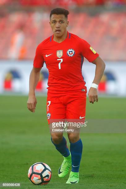 Alexis Sanchez of Chile drives the ball during a match between Chile and Venezuela as part of FIFA 2018 World Cup Qualifiers at Monumental Stadium on...