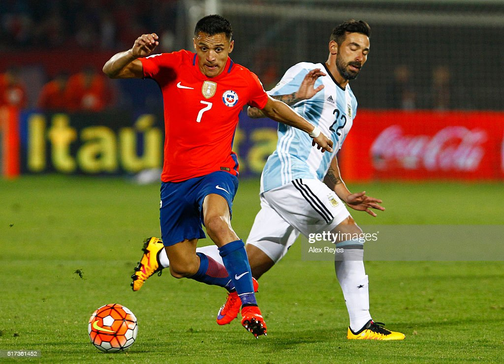 Chile v Argentina - FIFA 2018 World Cup Qualifiers : News Photo