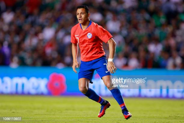Alexis Sanchez of Chile looks on during the international friendly match between Mexico and Chile at La Corregidora Stadium on October 16 2018 in...