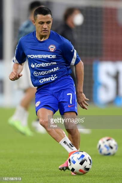 Alexis Sanchez of Chile warms up before a match between Argentina and Chile as part of South American Qualifiers for Qatar 2022 at Estadio Unico...