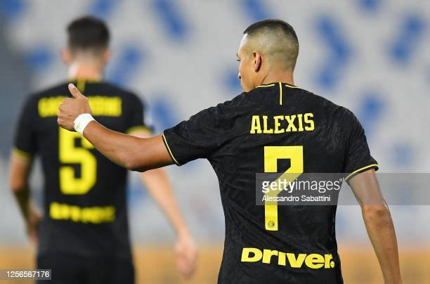 Alexis Sanchez of FC Internazionale celebrates after scoring his team's third goal during the Serie A match between SPAL and FC Internazionale at...