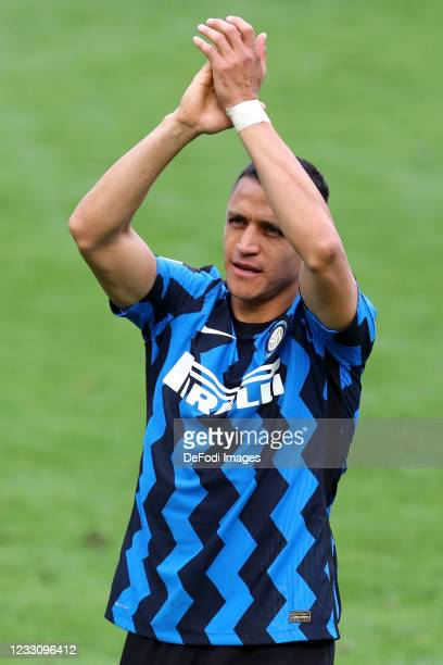 Alexis Sanchez of FC Internazionale gestures during the Serie A match between FC Internazionale Milano and Udinese Calcio at Stadio Giuseppe Meazza...