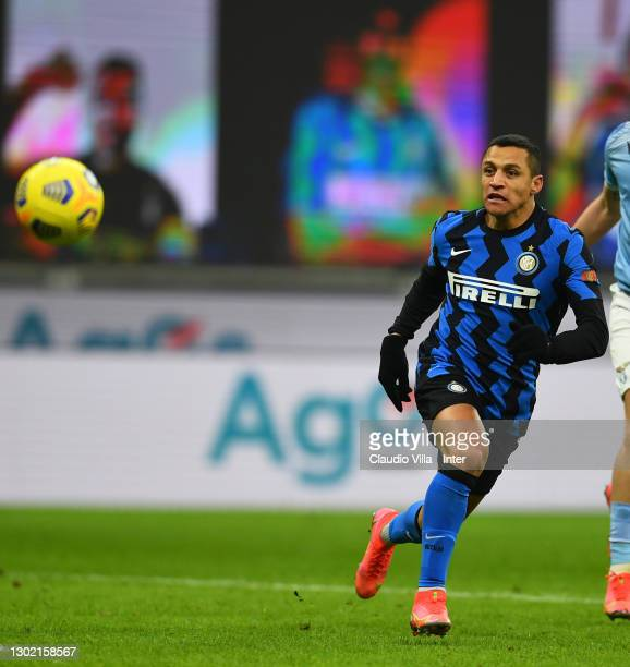 Alexis Sanchez of FC Internazionale in action during the Serie A match between FC Internazionale and SS Lazio at Stadio Giuseppe Meazza on February...