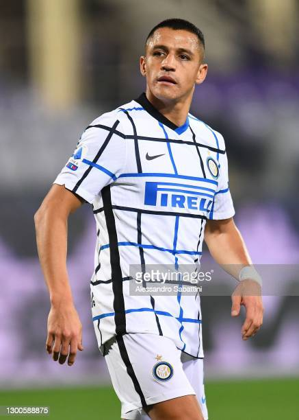 Alexis Sanchez of FC Internazionale looks on during the Serie A match between ACF Fiorentina and FC Internazionale at Stadio Artemio Franchi on...