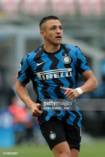 Alexis Sanchez of FC Internazionale looks on during the Serie A match between FC Internazionale Milano and Udinese Calcio at Stadio Giuseppe Meazza...