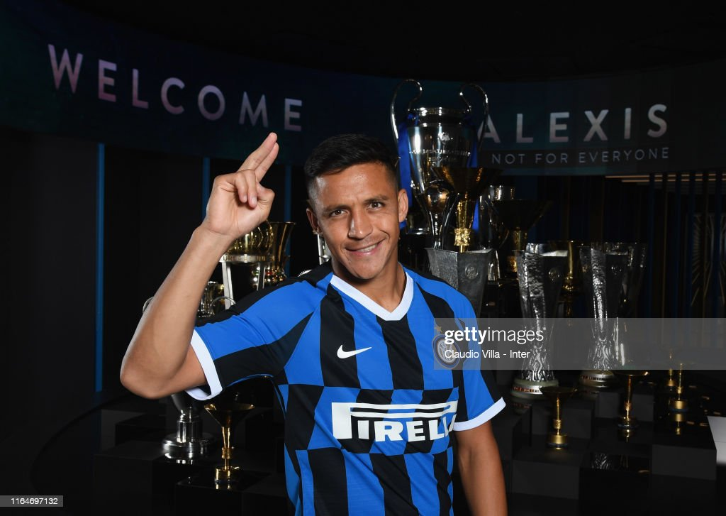 FC Internazionale Unveil New Signings Alexis Sanchez And Cristiano Biraghi : News Photo
