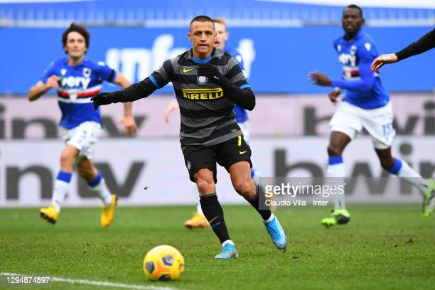 Alexis Sanchez of FC Internazionale takes a penalty during the Serie A match between UC Sampdoria and FC Internazionale at Stadio Luigi Ferraris on...