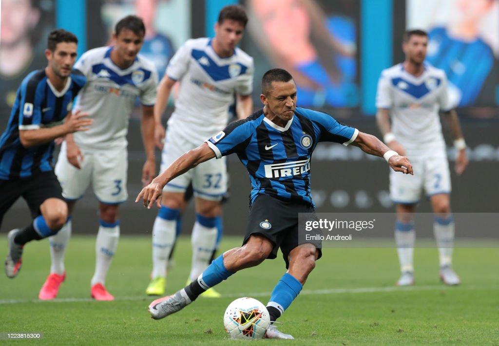 FC Internazionale v Brescia Calcio - Serie A : ニュース写真