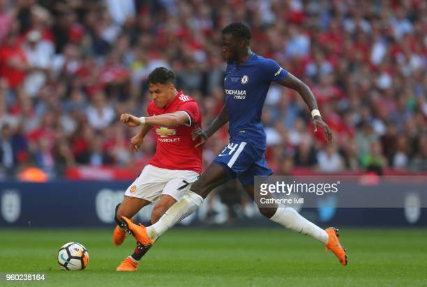 Alexis Sanchez of Manchester United and Tiemoue Bakayoko of Chelsea during The Emirates FA Cup Final between Chelsea and Manchester United at Wembley...