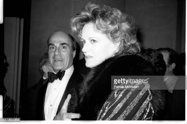 Alexis Smith and guest at the Costume Institute's Met Ball Benefit held at the Metropolitan Museum of Art December 1983