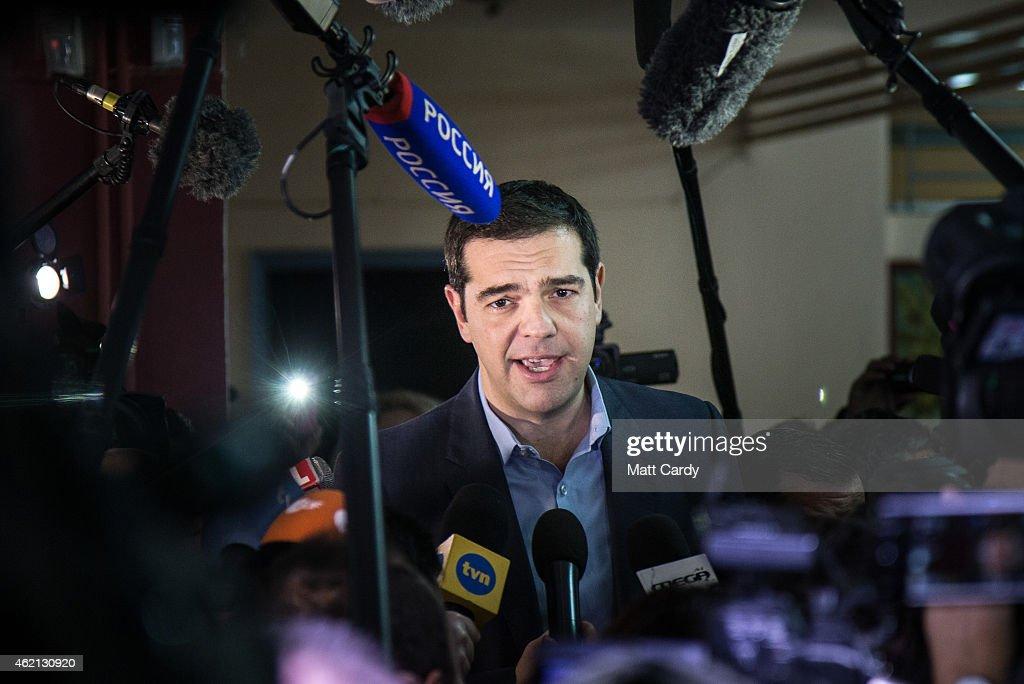 Greek Voters Head To The Polls For The General Election : Fotografía de noticias