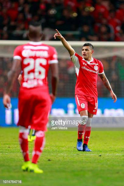 Alexis Vega of Toluca celebrates after the second goal of his team during the quarter finals first leg match between Toluca and America as part of...