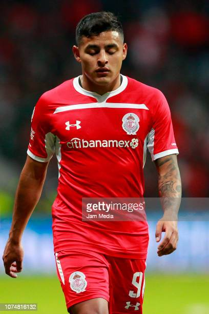 Alexis Vega of Toluca looks on during the quarter finals first leg match between Toluca and America as part of the Torneo Apertura 2018 Liga MX at...