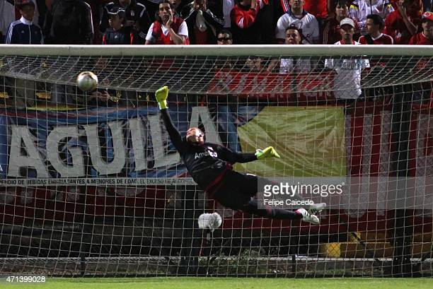 Alexis Viera goalkeeper of America de Cali receives a gol from John Jaramillo of Union Magdalena during a match between America de Cali and Union...
