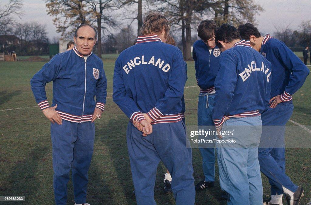 Alf Ramsey And England Squad : News Photo