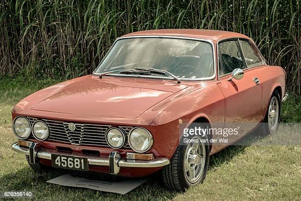 "alfa romeo 2000 gt veloce italian classic coupe car - ""sjoerd van der wal"" photos et images de collection"