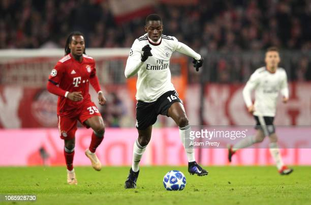 Alfa Semedo of Benfica runs with the ball during the UEFA Champions League Group E match between FC Bayern Muenchen and SL Benfica at Fussball Arena...