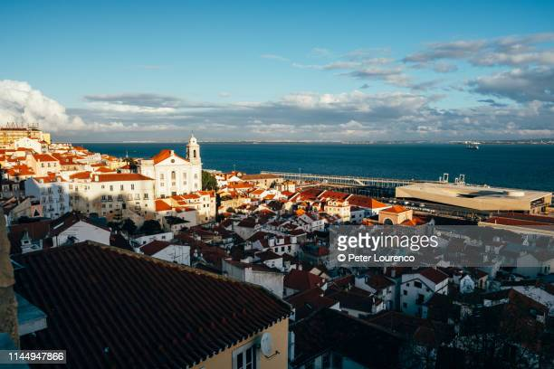 alfama, lisbon - peter lourenco stock pictures, royalty-free photos & images